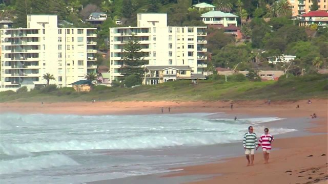 Surfing in Northern Beaches with Tom Carroll