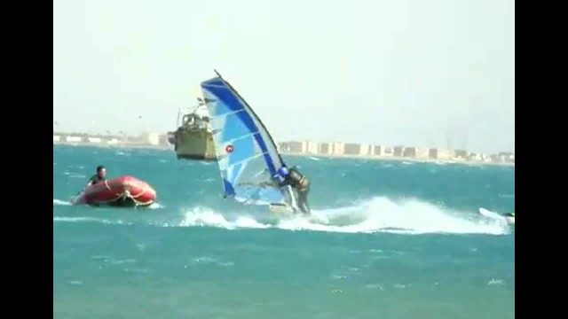 Surfing Fail Turns Into WIN