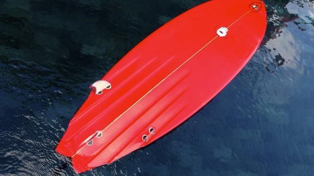 Allan Byrne Channel Bottom Gun Surfboard Review no.51 | Benny's Boardroom – CompareSurfboards.com