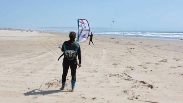 Launching a Kiteboarding Kite – Learn to Kiteboard