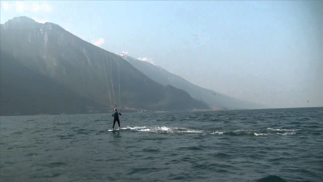 Kitesurf advanced lessons: Pro coaching with Wind Riders on Lake Garda