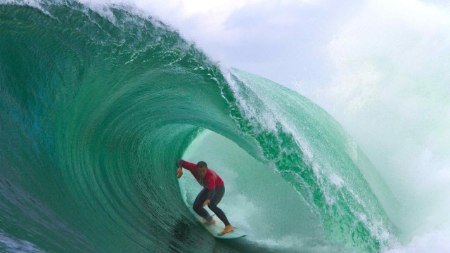 Best surfing action from Red Bull Cape Fear 2014