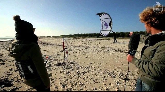 Kiteboarding lesson –  How to launch a kite – One Launch Kiteboarding