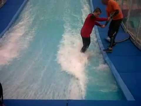 Wavemachine Surfing Fail