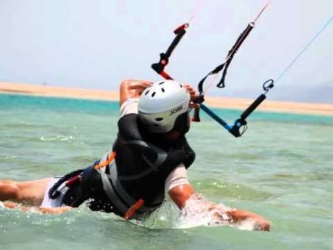 Oman kitesurfing